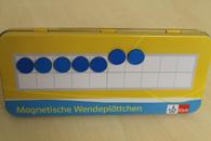 Metallbox mit Zwanzigerfeld und magnetischen Wendeplättchen