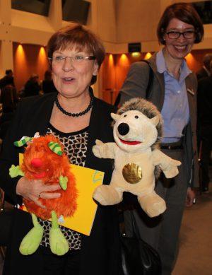 Staatsministerin Brunhild Kurth bei der Preisverleihung Schulbuch des Jahres